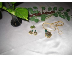 AH-777-WJ-10    Wooden Pendant  and earrings With Gold Plating Chain